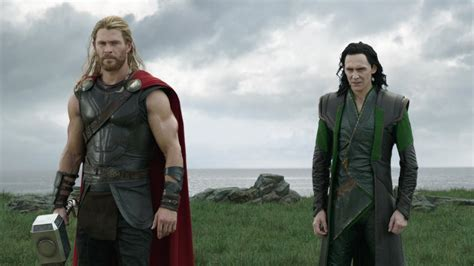 How Chris Hemsworth Convinced [Spoiler] to Make That