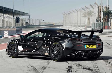 New McLaren 620R revealed as limited-run, road-legal GT4