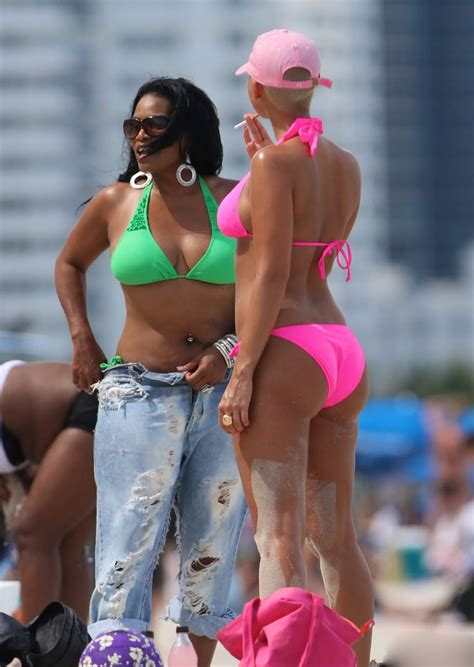 AlesSandRa: New candids of Amber Rose from Miami Beach