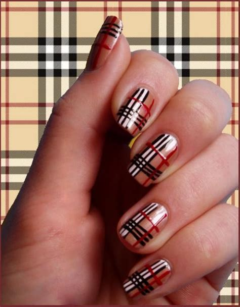 Burberry nokti / Burberry Nails   Fashion and Other Things